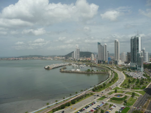 Apartments for sale on Ave. Balboa in Panama city, Panama in Los Delfines.