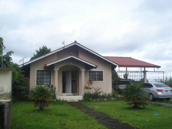 HOUSE FOR SALE, PANAMA,  CHIRIQUI, DAVID - BOQUETE - BRISAS BOQUETENAS, SE VENDE CASA