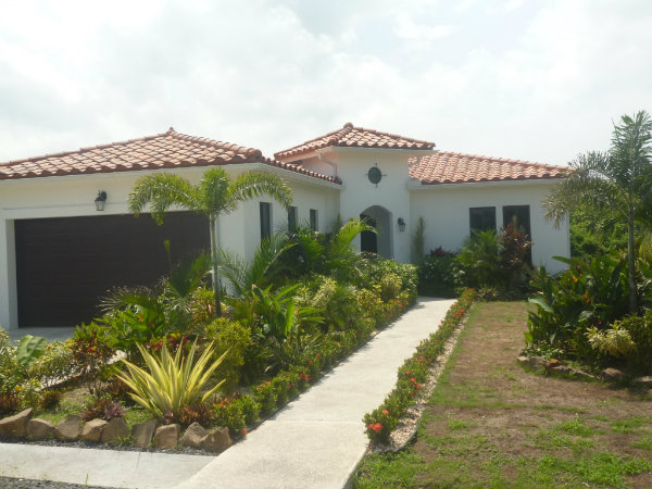 HOUSE FOR SALE WITHIN GATED COMMUNITY OF HACIENDA PACIFICA