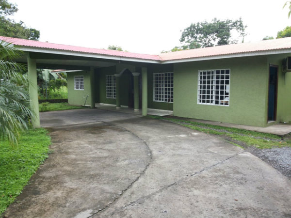 FOR SALE HOUSE AT DAVID CHIRIQUI, HOUSE FOR SALE AT DAVID CHIRIQUÍ, FOR SALE HOUSE AT DAVID, HOUSE FOR SALE AT DOLEGUITA DAVID CHIRIQUI, HOUSE FOR SALE NEAR TO THE BANKING AREA, VENDO CASA EN DAVID CHIRIQUI, CASA EN VENTA EN DAVID CHIRIQUI, VENDO CASA EN DAVID, CASA EN VENTA EN DOLEGUITA DAVID CHIRIQUI CERCA DEL CENTRO BANCARIO