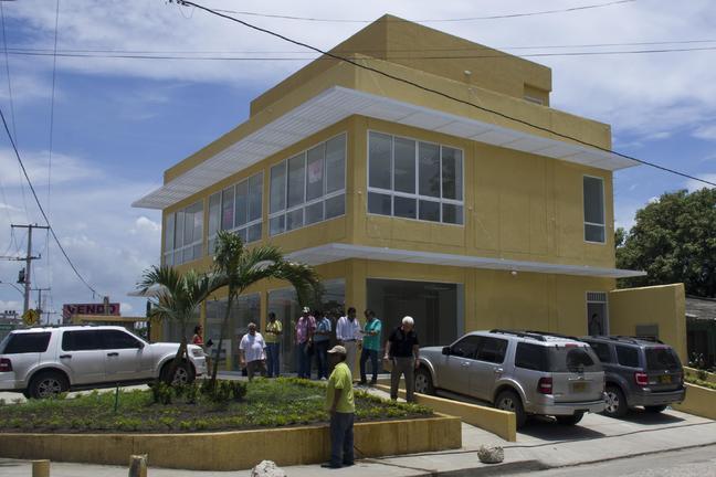 CARTAGENA EL BOSQUE COMMERCIAL BUILDING