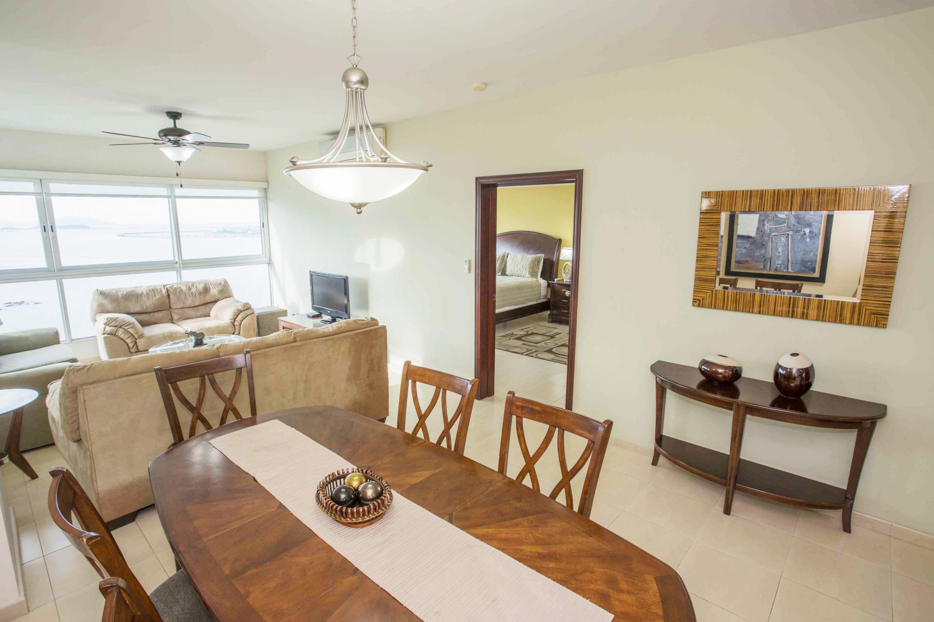 PANAMA CITY AVENIDA BALBOA GRANDBAY 2 BDRMS HIGH FLOOR