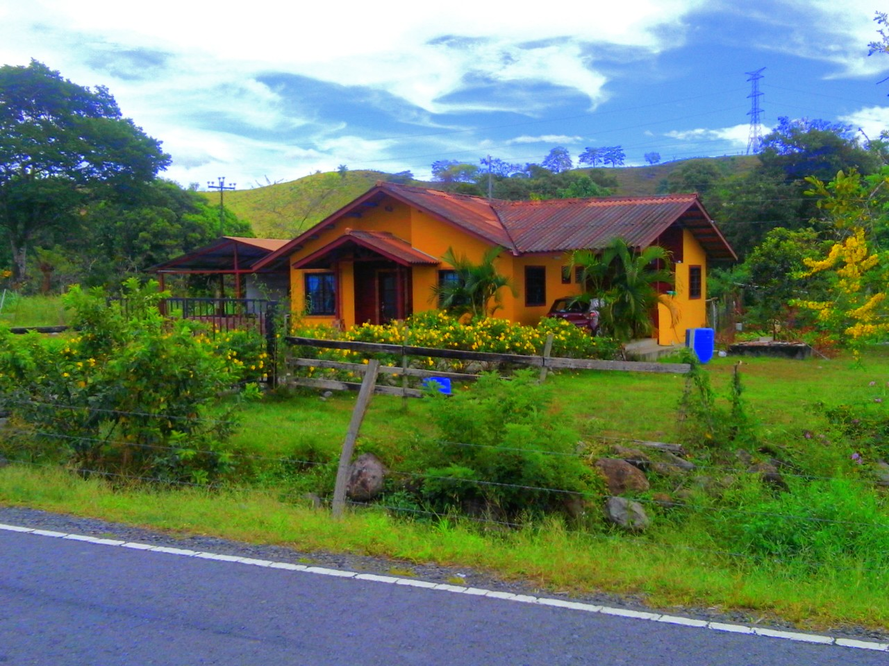CHIRIQUI, DAVID, SAN CARLOS, COUNTRY HOME FOR SALE