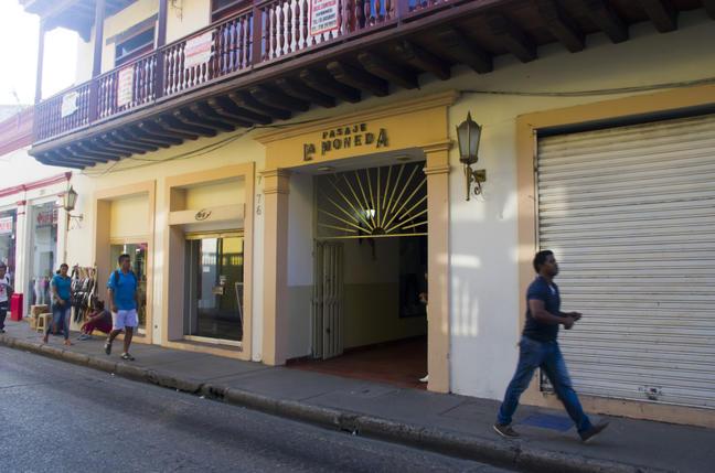 Colombia, Cartagena, Pasaje La Moneda commercial space