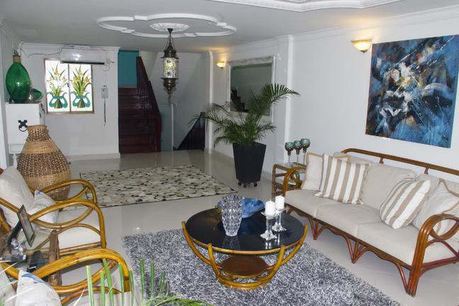 COLOMBIA, CARTAGENA, BUILDING HERNANDEZ Unique Apartment