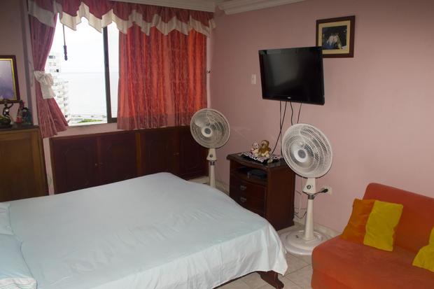 COLOMBIA, CARTAGENA, EL LAGUITO Tocahagua Oceanfront Penthouse