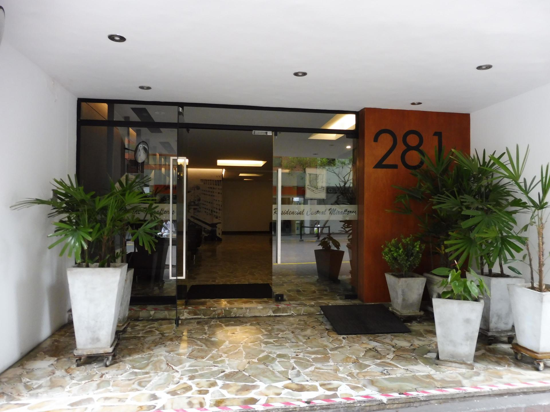 LIMA MIRAFLORES 1BED CENTRAL CITY