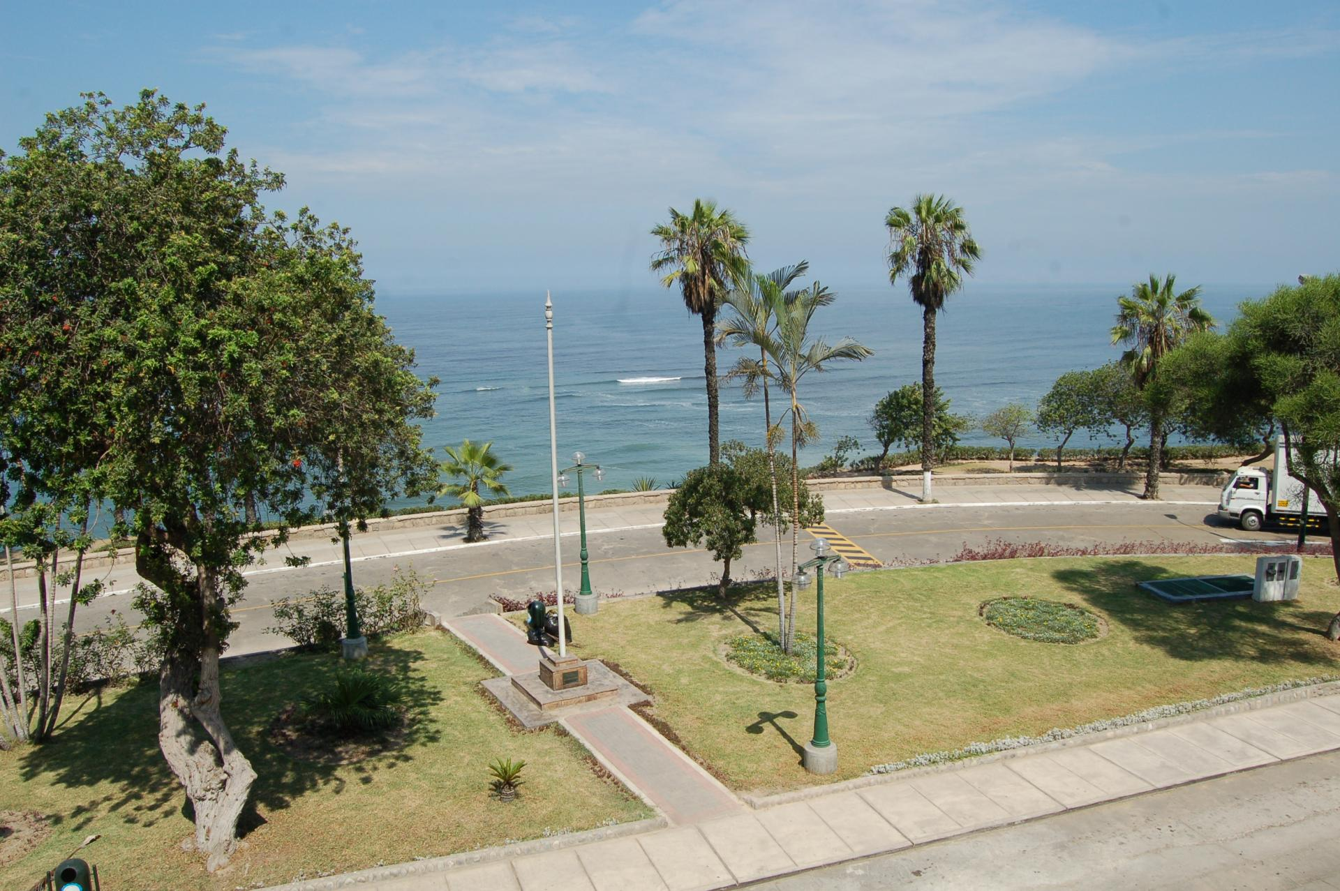 LIMA, BARRANCO, MALECON SOUZA, 3 BDRM APARTMENT FOR SALE