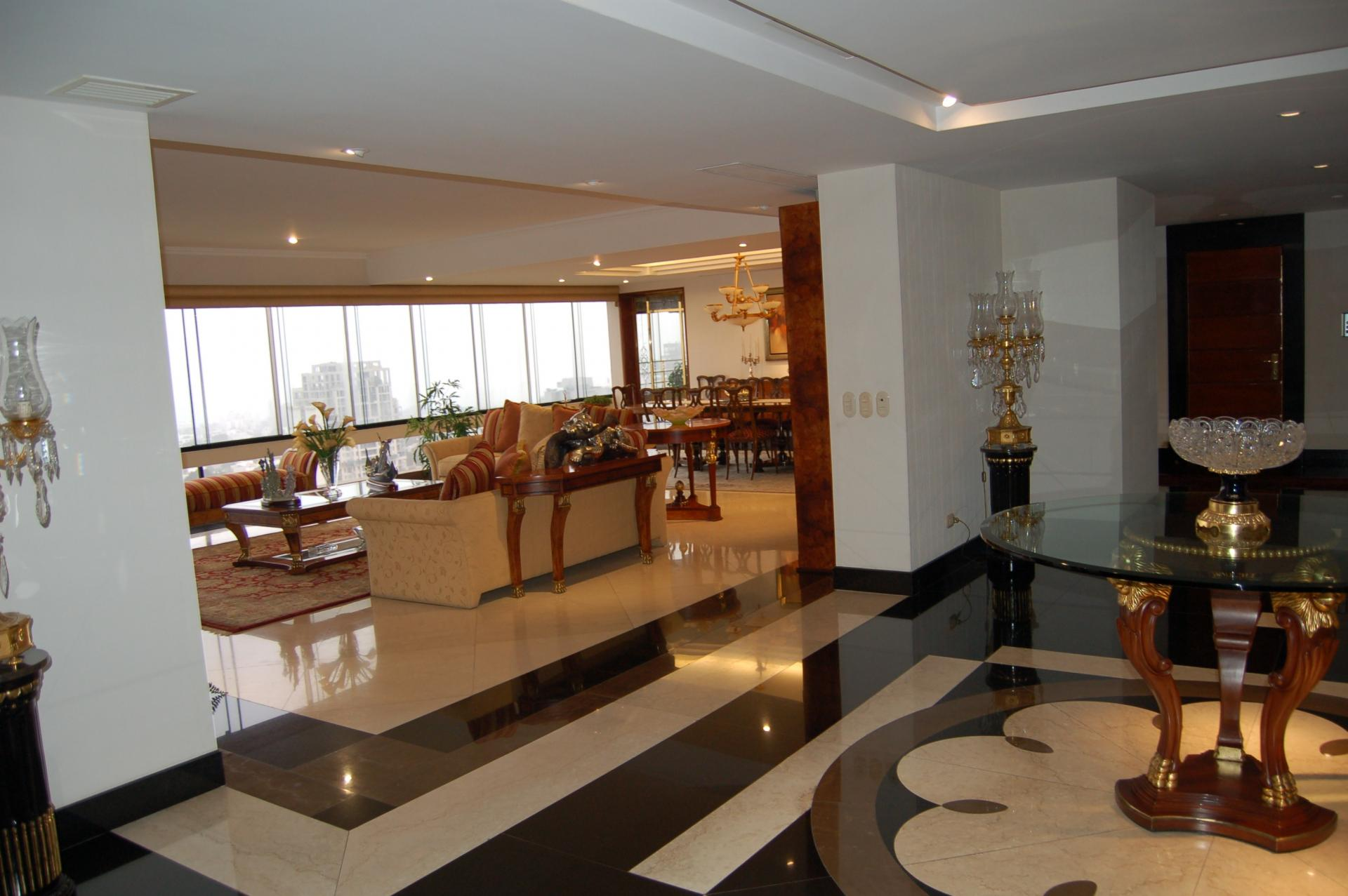 LIMA, SAN ISIDRO, 4 BEDROOM PENTHOUSE WITH POOL, VIEWS OF LIMA GOLF, FOR SALE