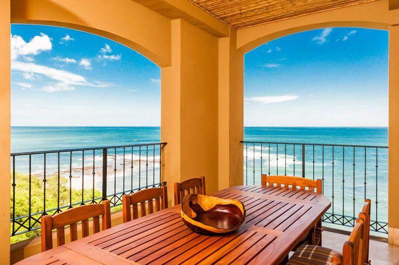 4 bedroom Ocean View Penthouse, Playa Langosta