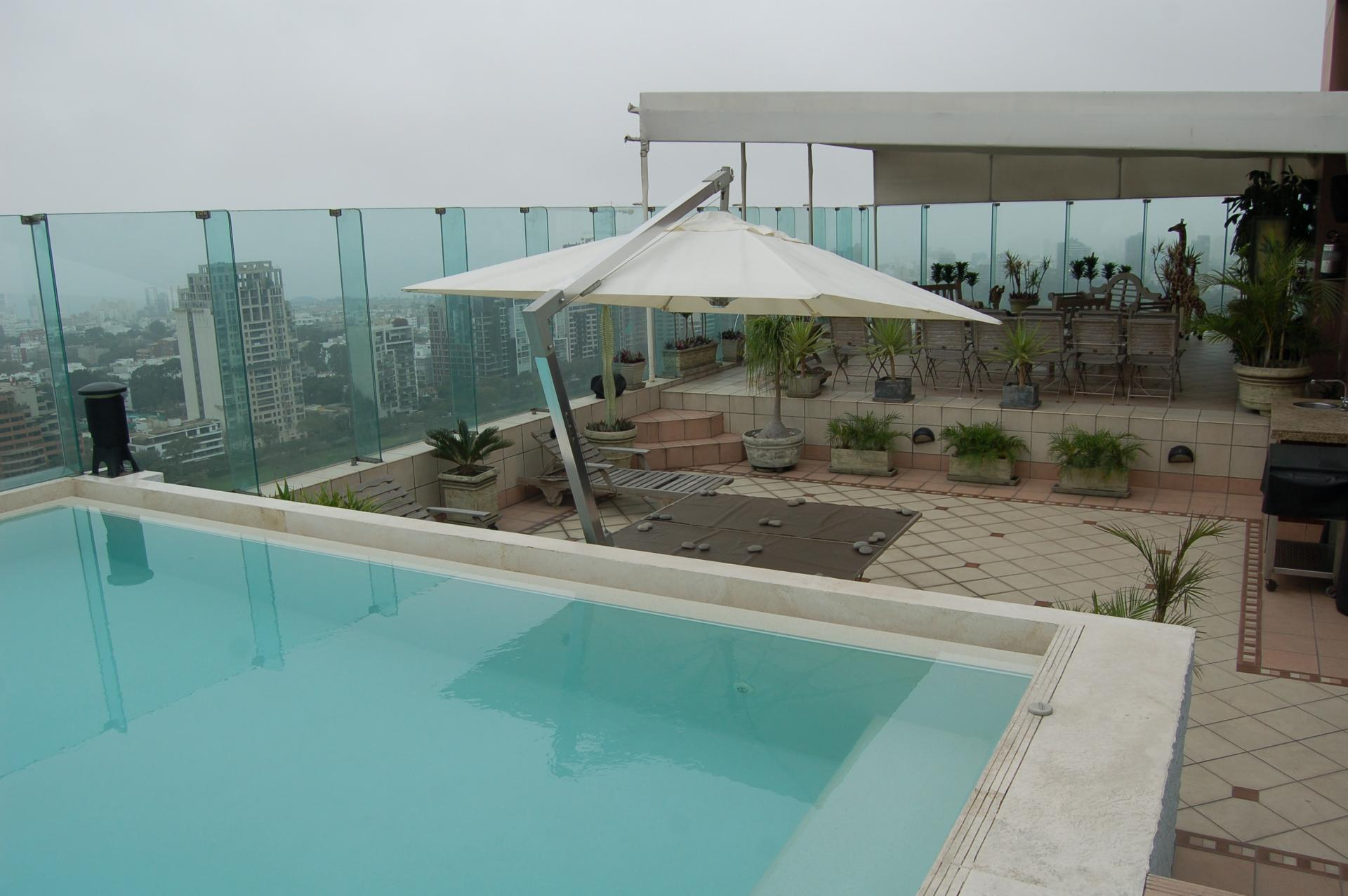 LIMA, SAN ISIDRO, 4 BEDROOM PENTHOUSE WITH POOL, VIEWS OF LIMA GOLF, FOR RENT