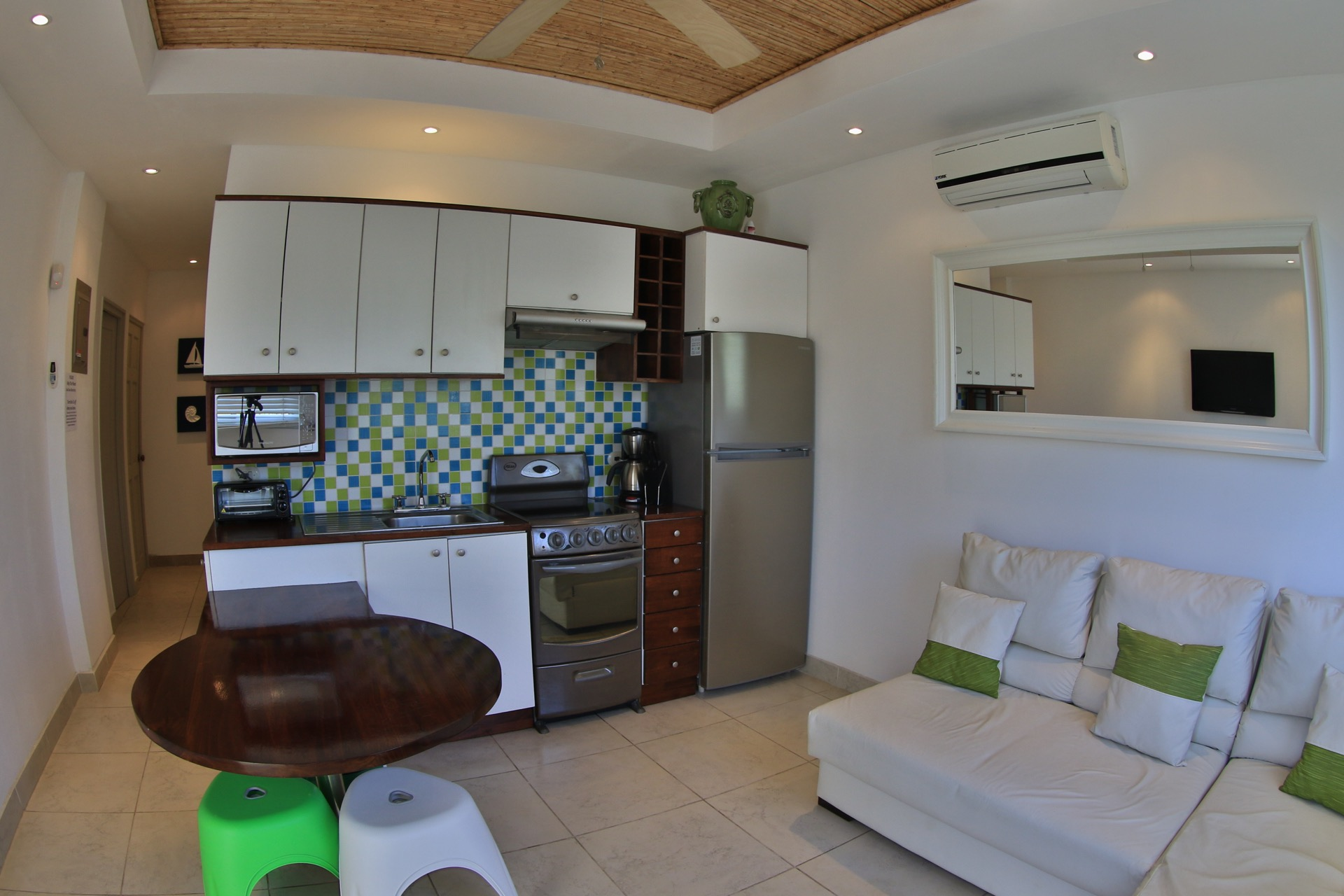 La Paz Apartment, Flamingo beach