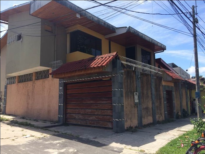IQUITOS LOT AND CONTRUCTION