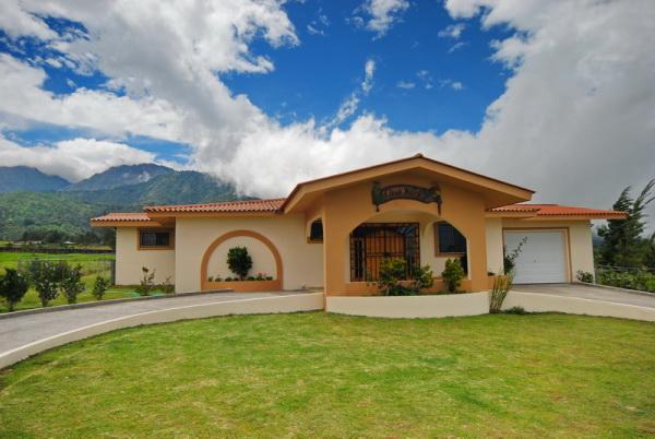 CHIRIQUI, DISTRITO DE TIERRAS ALTAS, MOUNTAIN VIEW HOME IN VOLCAN.