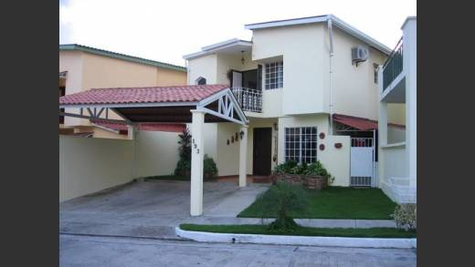 A beautiful Home in Villa Cerro Lindo