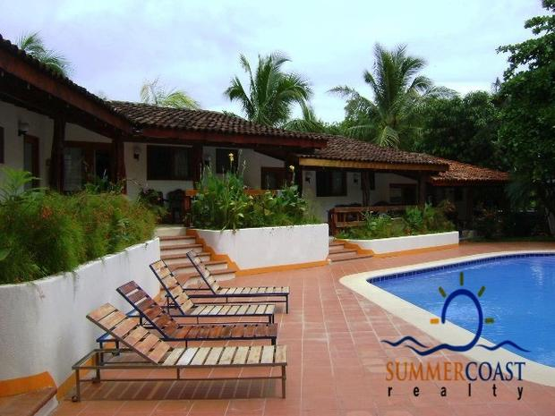10 Developers Condos, Tamarindo beach