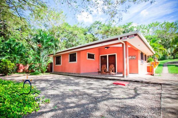 Tamarindo, 4 cabinas 2 casas