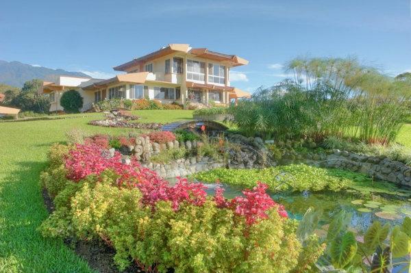 8 Bedroom House For Sale in La Cresta Bella Vista Panama