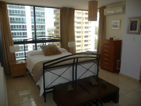PANAMA CITY AVENIDA BALBOA LA GAVIOTA 1 BDRM CITY VIEWS